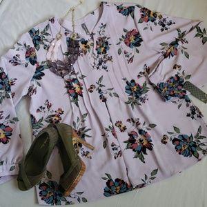 NWT! 💕 STUNNING Massini long sleeve blouse